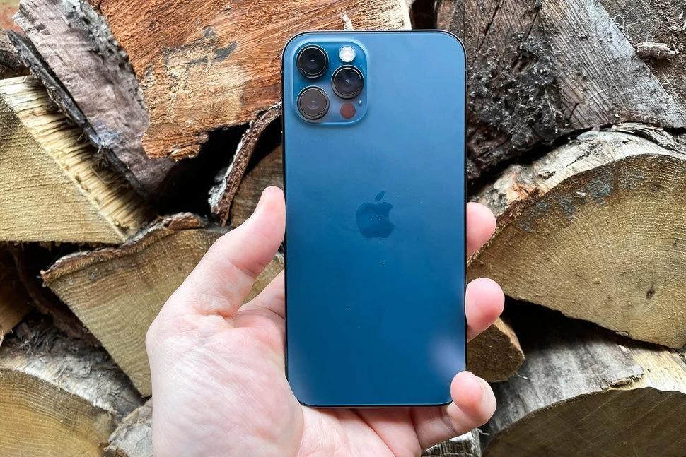 iPhone 12 Pro Max Azul Pacífico, com Tela de 6,7″, 5G, 256 GB e Câmera Tripla de 12MP – MGDF3BZ/A
