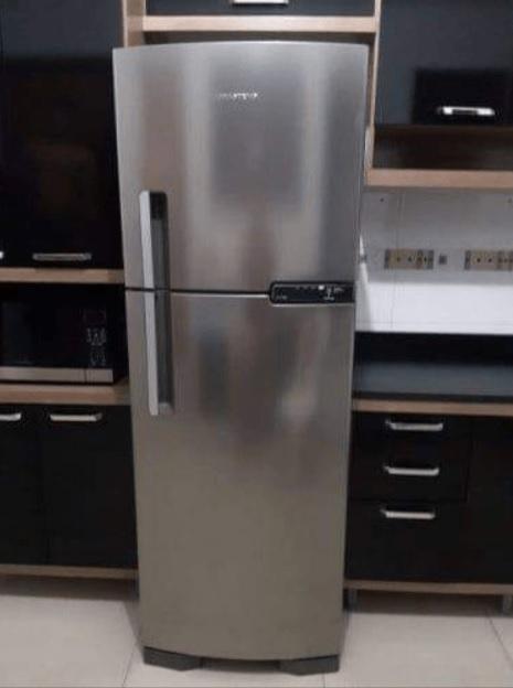 Geladeira/Refrigerador Brastemp Frost Free Duplex – 375L BRM44 HKBNA- 220v