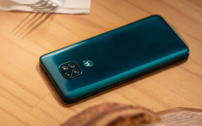 """Smartphone Motorola Moto G9 Play 64GB, 4GB RAM, Tela de 6.5"""", Câmera Traseira Tripla, Android 10 e Processador Octa-Core"""