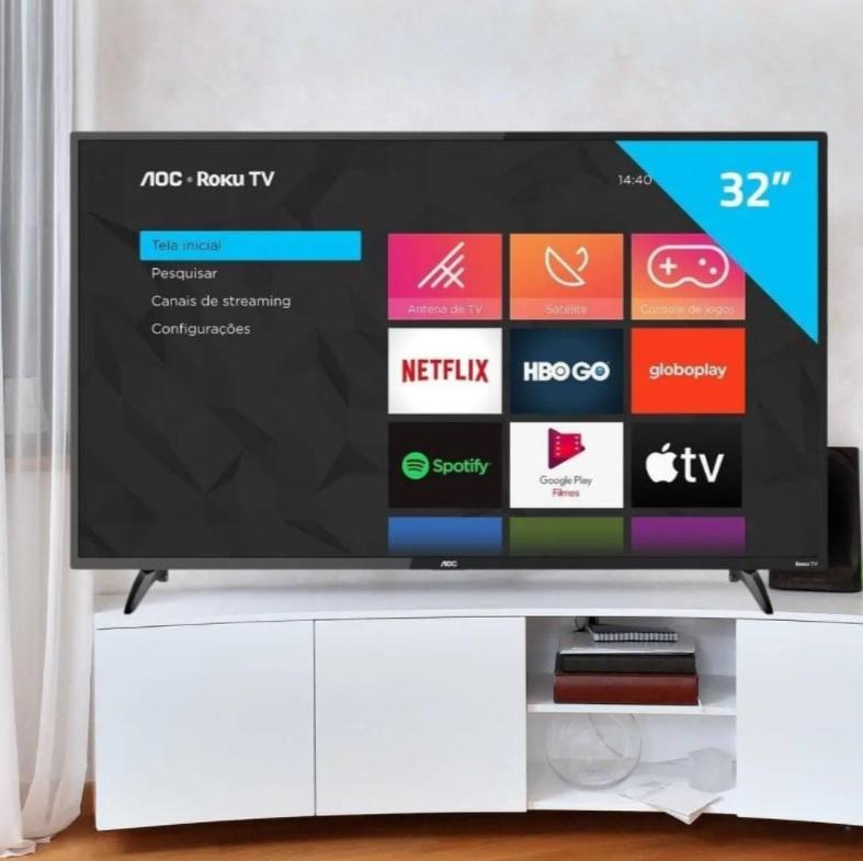 """Smart TV AOC Roku TV LED 32"""" HD 32S5195/78 com Wi-fi, Controle Remoto com atalhos, Roku Mobile, Miracast, Entradas HDMI e USB"""