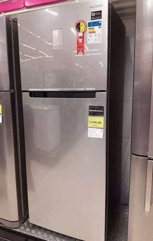 Geladeira/Refrigerador Samsung Frost Free Inverter – Duplex Inox Look 385L PowerVolt Evolution RT38