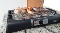 Churrasqueira Elétrica 1500W Britânia Gourmet – com Grelha