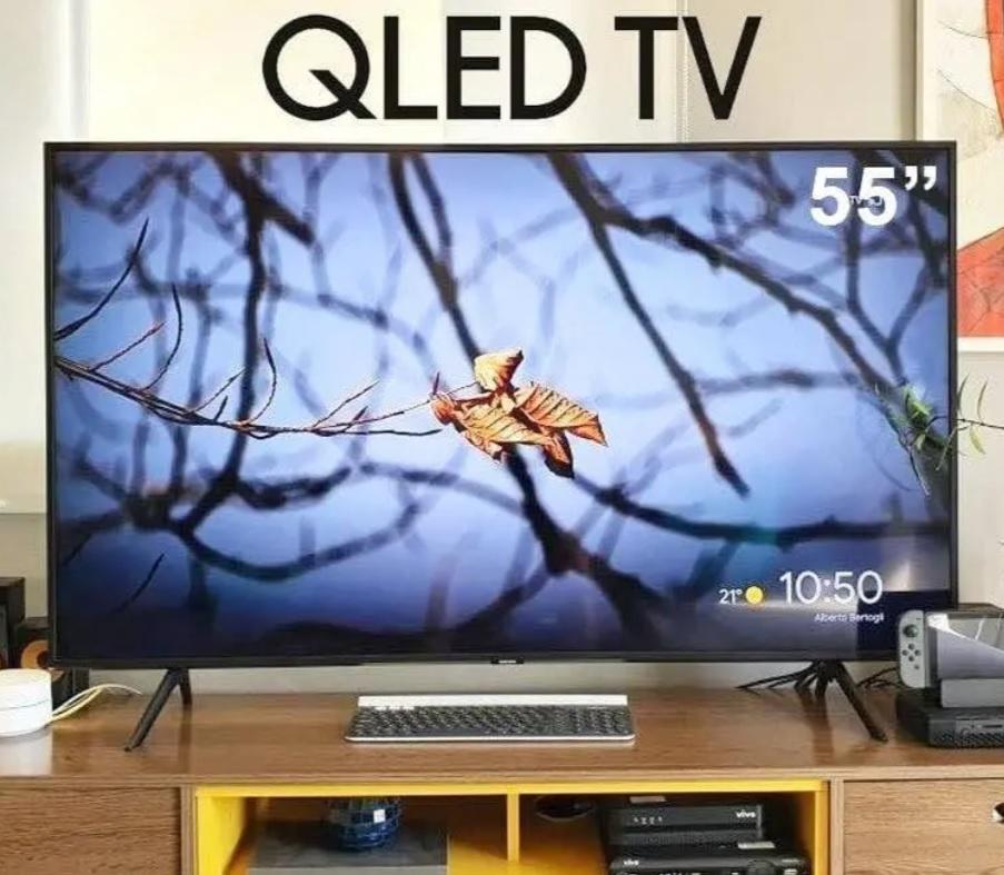 "Smart TV 4K QLED 55"" Samsung Q60TA Wi-Fi Bluetooth – Pontos Quânticos Alexa Built In Modo Ambiente"